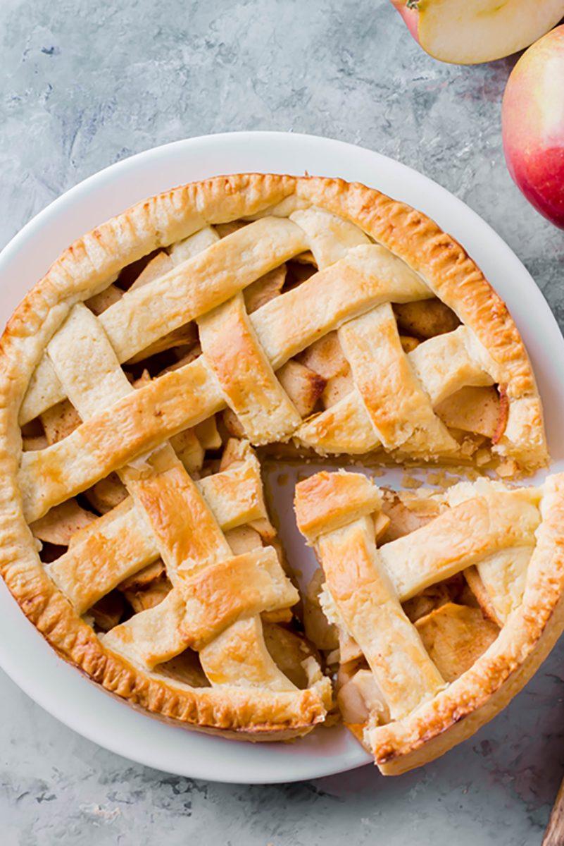 Ukusna pita od suhih jabuka