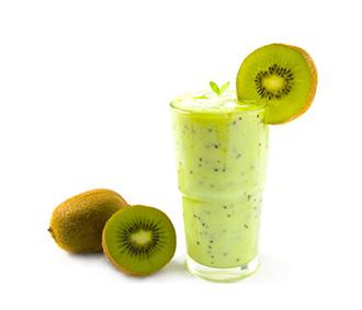 Odaberite smuti od kivija, banane i blitve