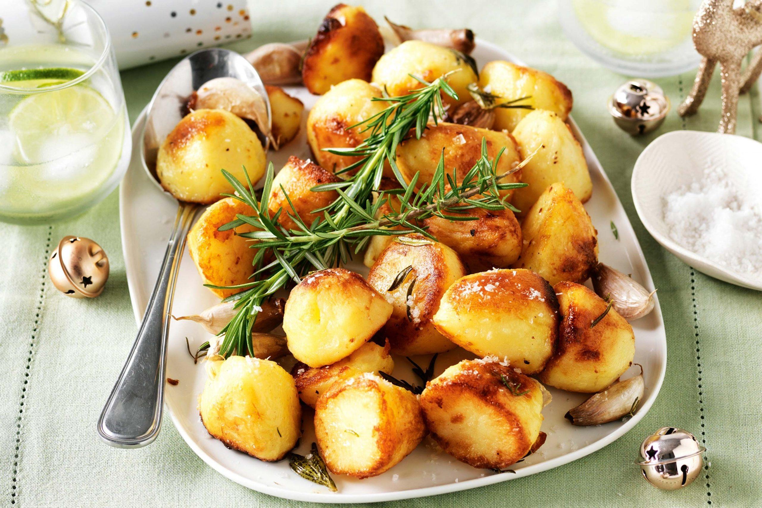 Hrskavi krompir sa bijelim lukom i ruzmarinom