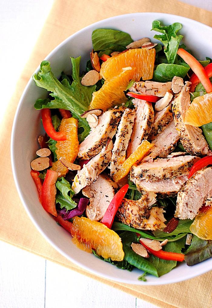 Zdravo i ukusno: Salata s piletinom i crvenom narančom