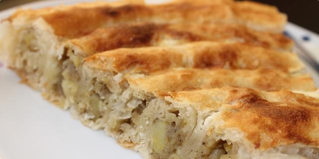Naš prijedlog za vaš današnji ručak: Pita od krompira i začinskog bilja