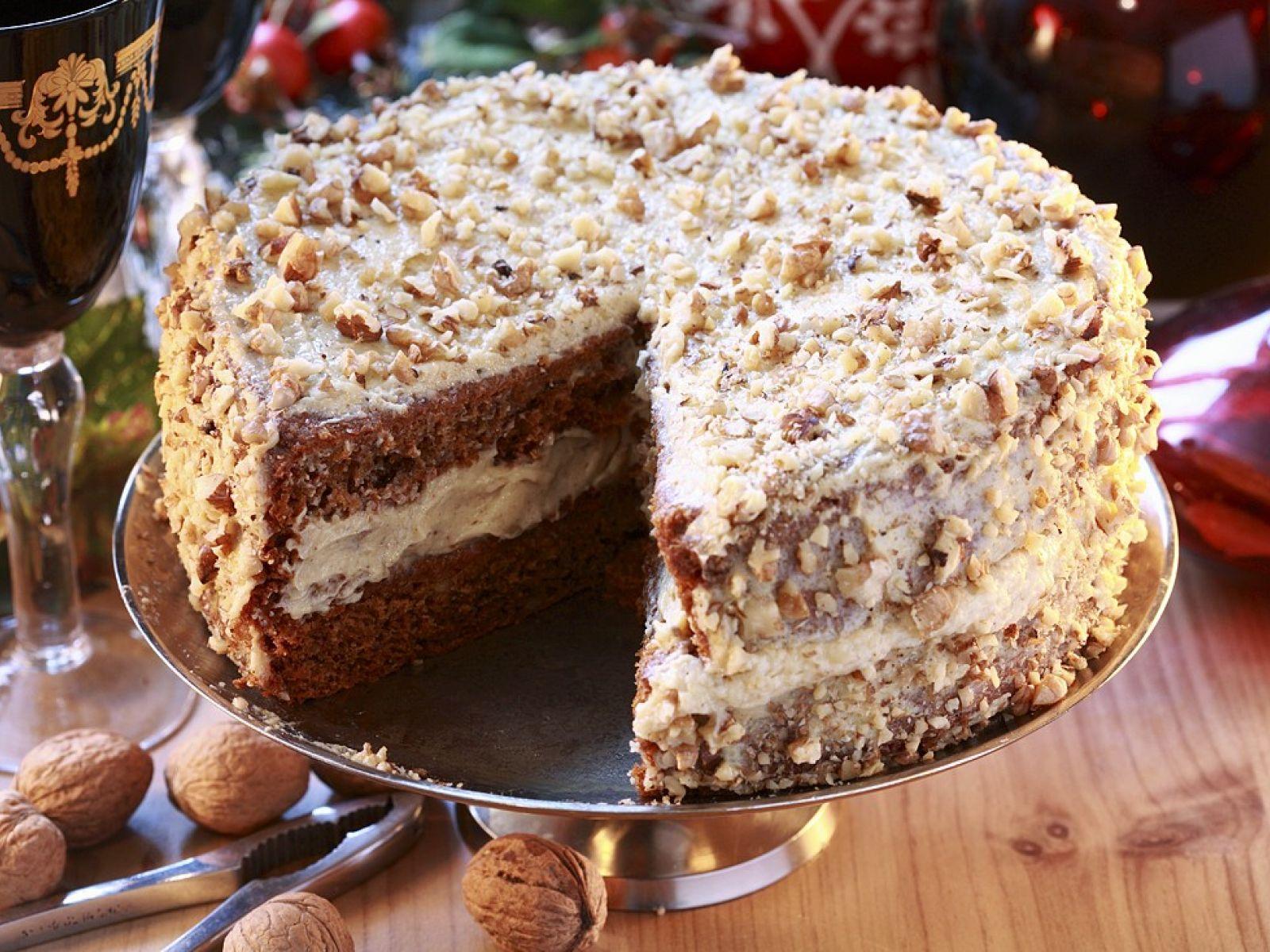 Uživajte: Torta sa medom i orasima