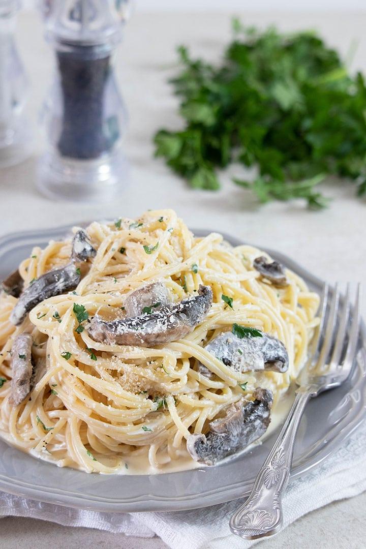 Uživajte u špagetama u umaku od vrganja