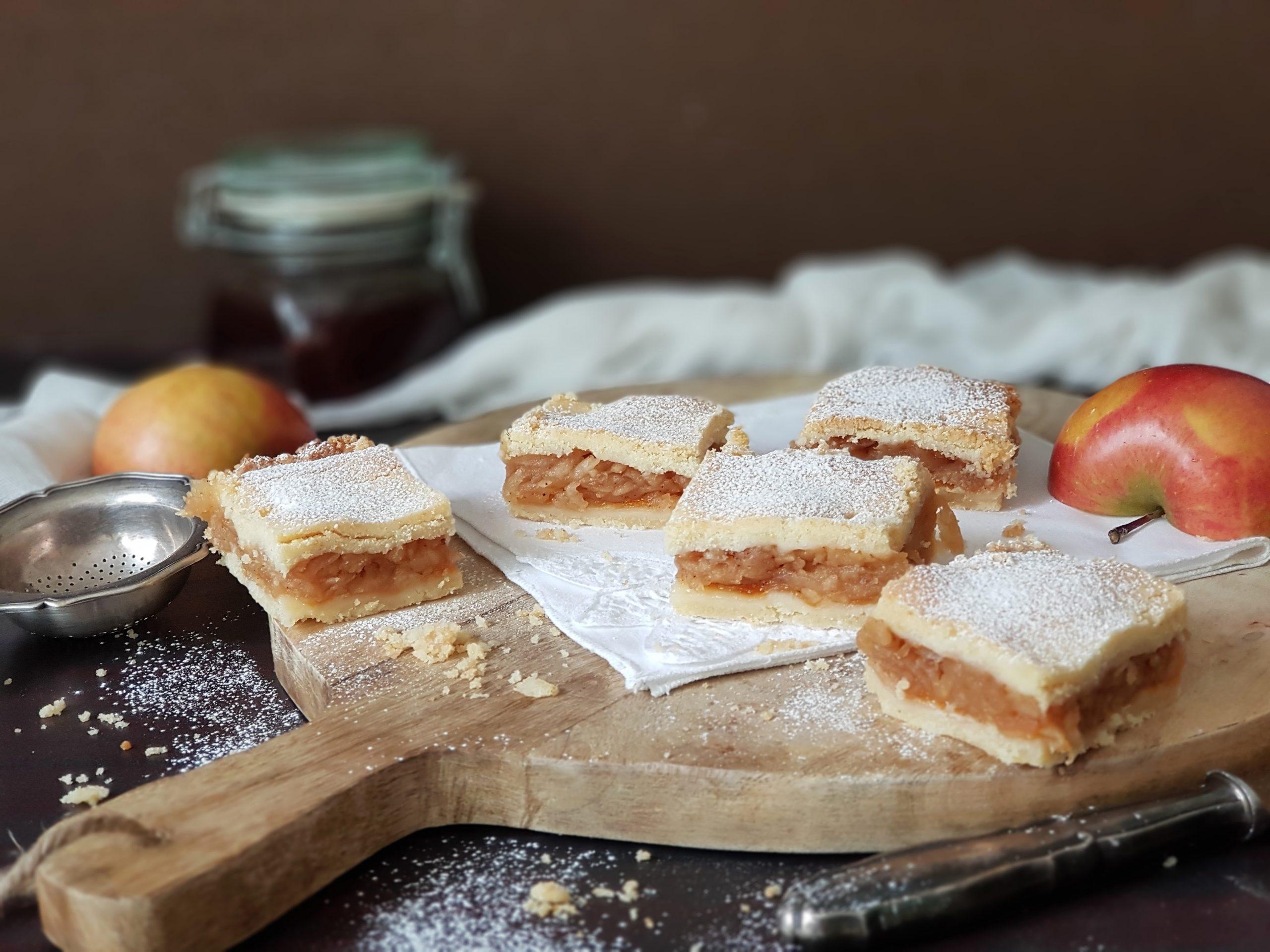 Ukusna pita sa jabukama i narom