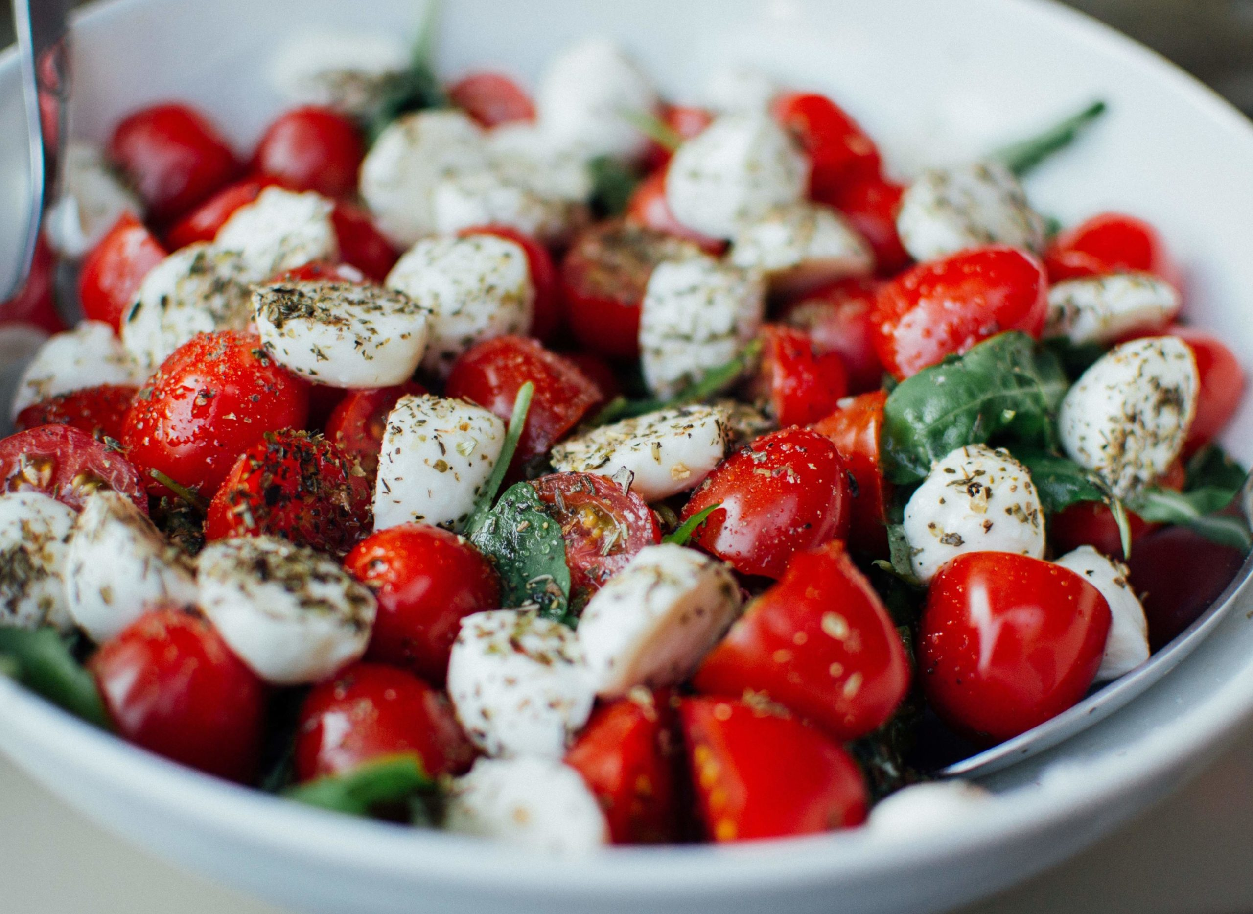 Napravite mozzarella salatu