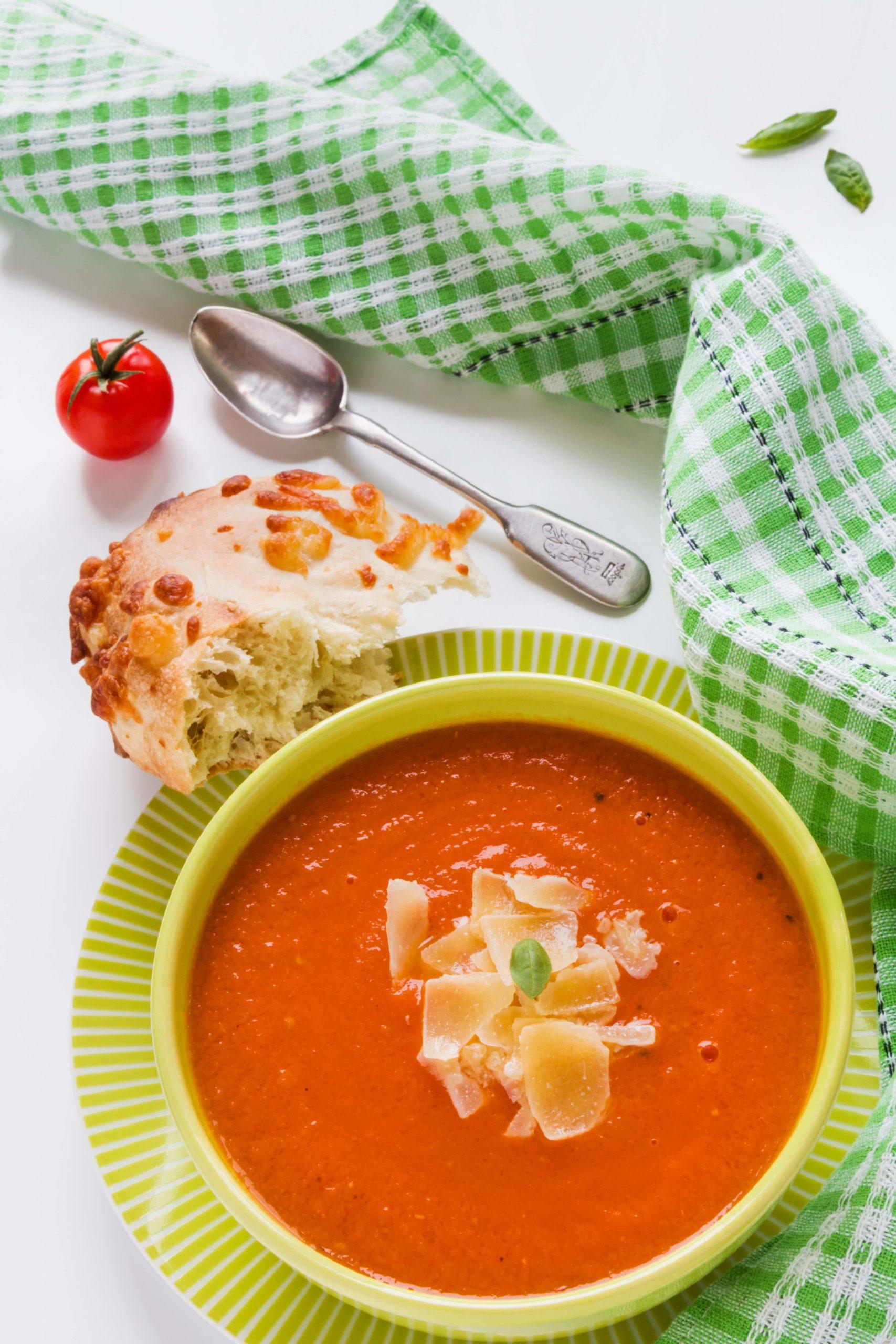 Supa od paradajzasa sirom za svaki dan